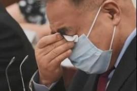 """审议现场,人大代表张伯礼哭了!抗疫奋战82天""""把胆留在武汉"""""""